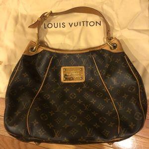 Louis Vuitton Galliera PM Shoulder handbag